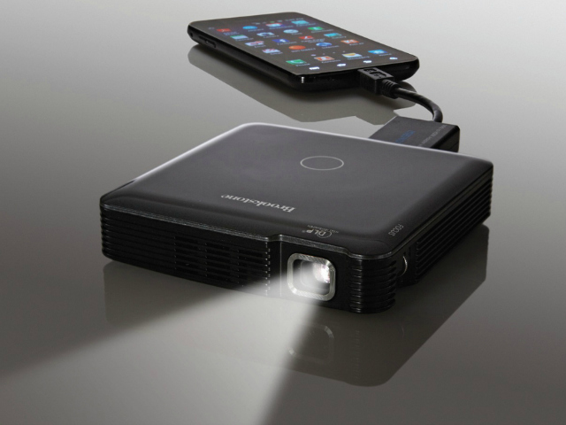 Hdmi pocket projector getdatgadget for Hdmi pocket projector