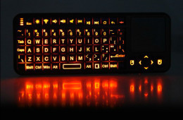 Backlit iPazzPort Mini Bluetooth Keyboard