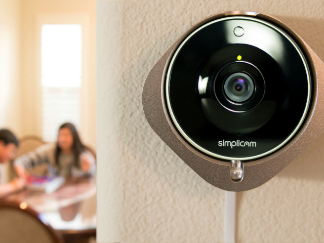 Simplicam WiFi Security Camera with Face Detection - GetdatGadget