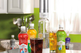 Fizzini Hand-Held Carbonated Soda Maker – Soda on Demand