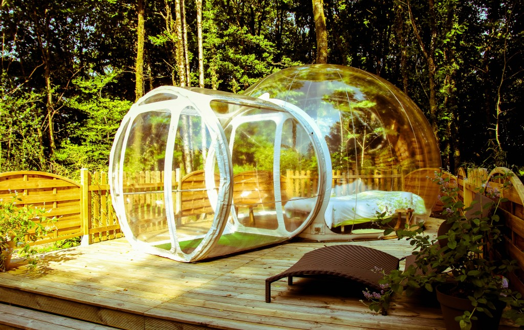 Besides the romantic experience of sleeping under the stars the Inflatable Clear Bubble Tent provides spectacular views of sunsets and sunrises right from ... & Sleep under the Stars with the Inflatable Clear Bubble Tent ...