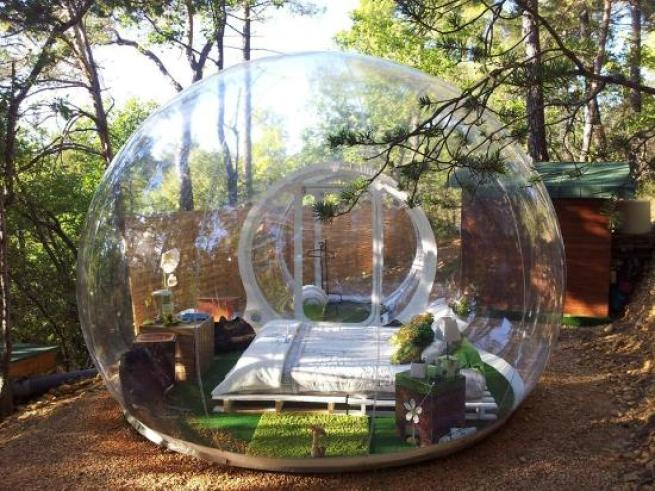 An airlock at the entrance of the tent helps to maintain the pressure inside. Inflatable Clear Bubble Tent & Sleep under the Stars with the Inflatable Clear Bubble Tent ...